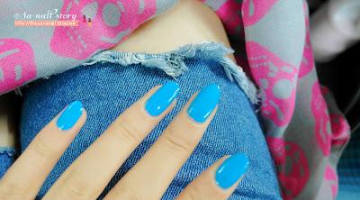 DIAMI nail lacquer, Blue Nail Polish