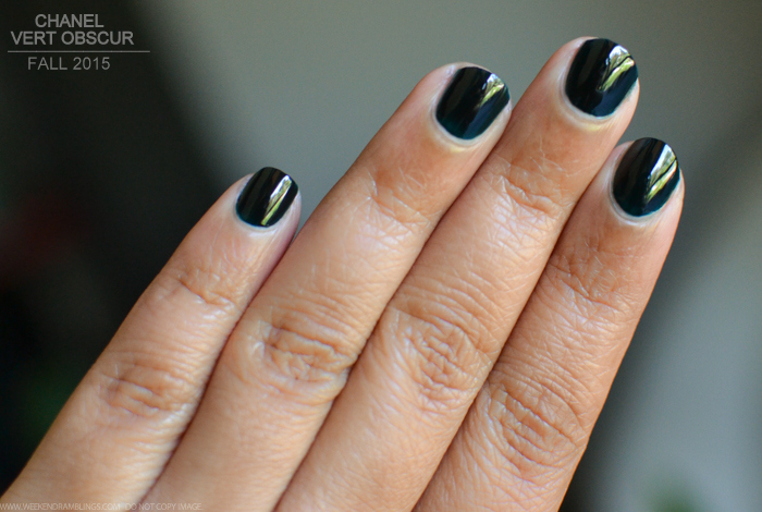 Chanel Le Vernis Nail Polish Vert Obscur 679 Review Swatch Photos Fall 2015 Les Automnales Makeup Collection