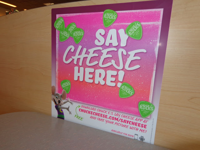 Chuck E Cheese Say Cheese App Review And Giveaway
