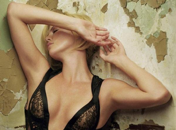 Charlize Theron Hot Dress wallpaper