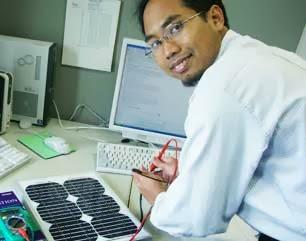 Pemilik Paten Sistem Telekomunikasi 4G ( Prof. Dr. Khoirul Anwar )