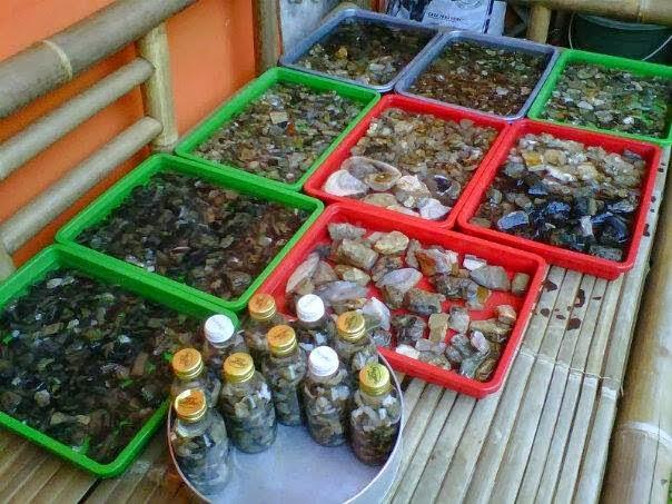 Harga bongkahan bahan Batu cincin jenis kalimaya black opal