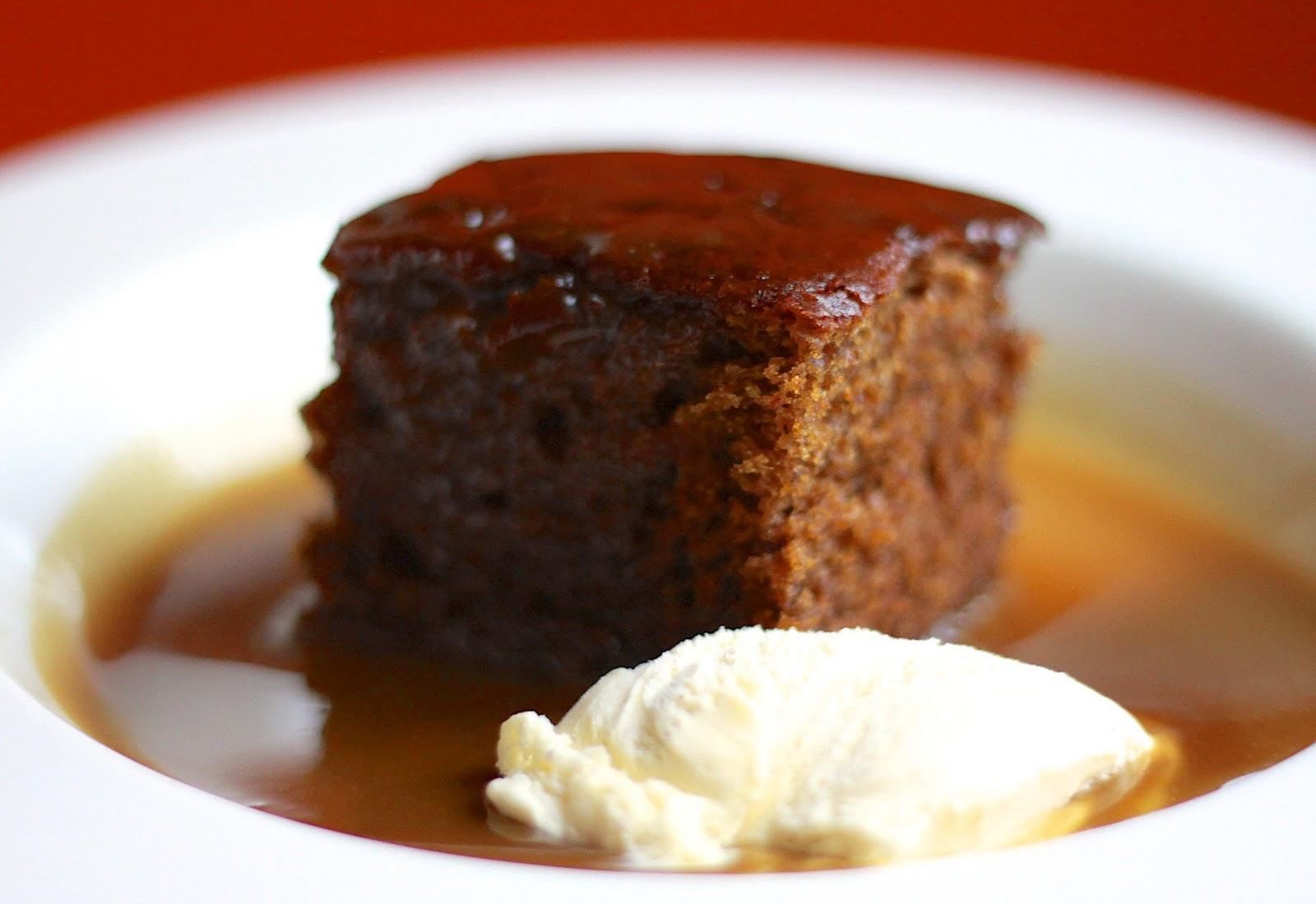 Dokładka: Sticky toffee pudding czyli daktylowe ciasto z polewą ...