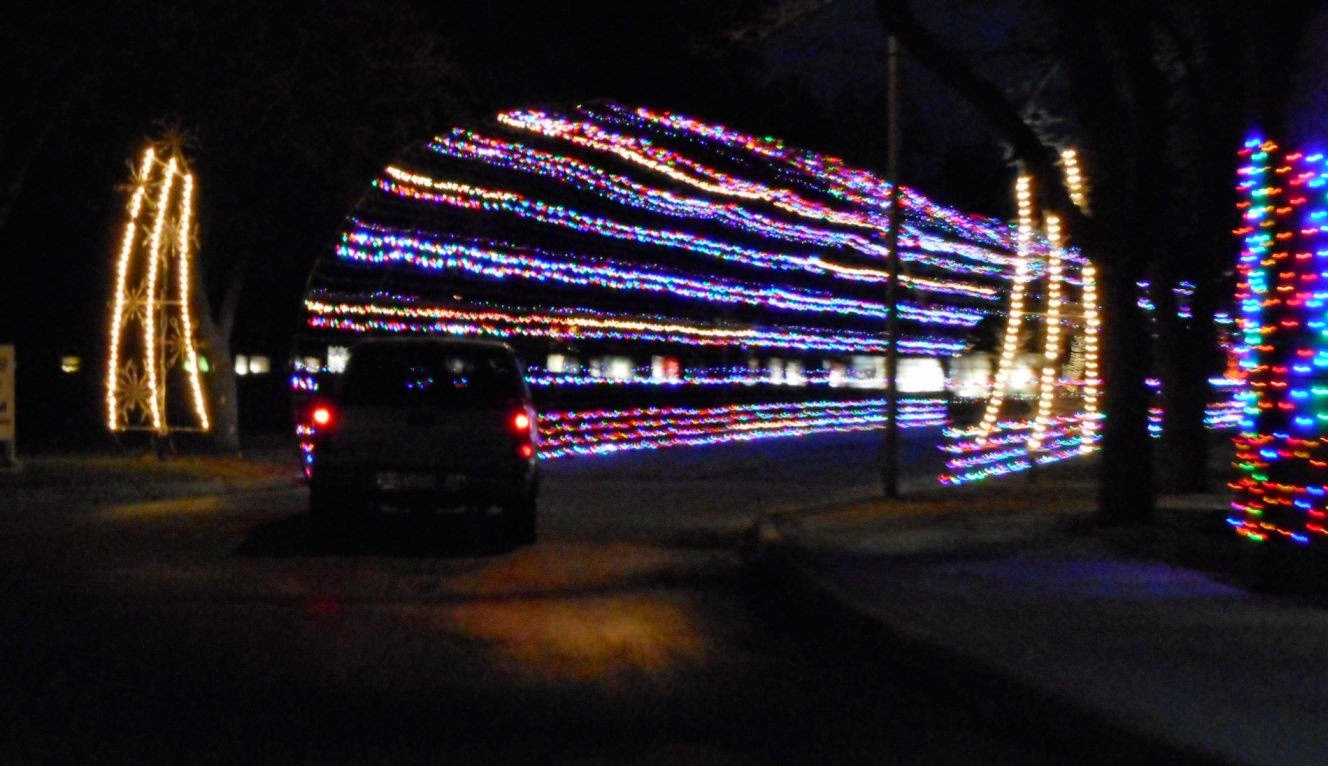 Happy Trails: Christmas Lights in San Angelo, 2014