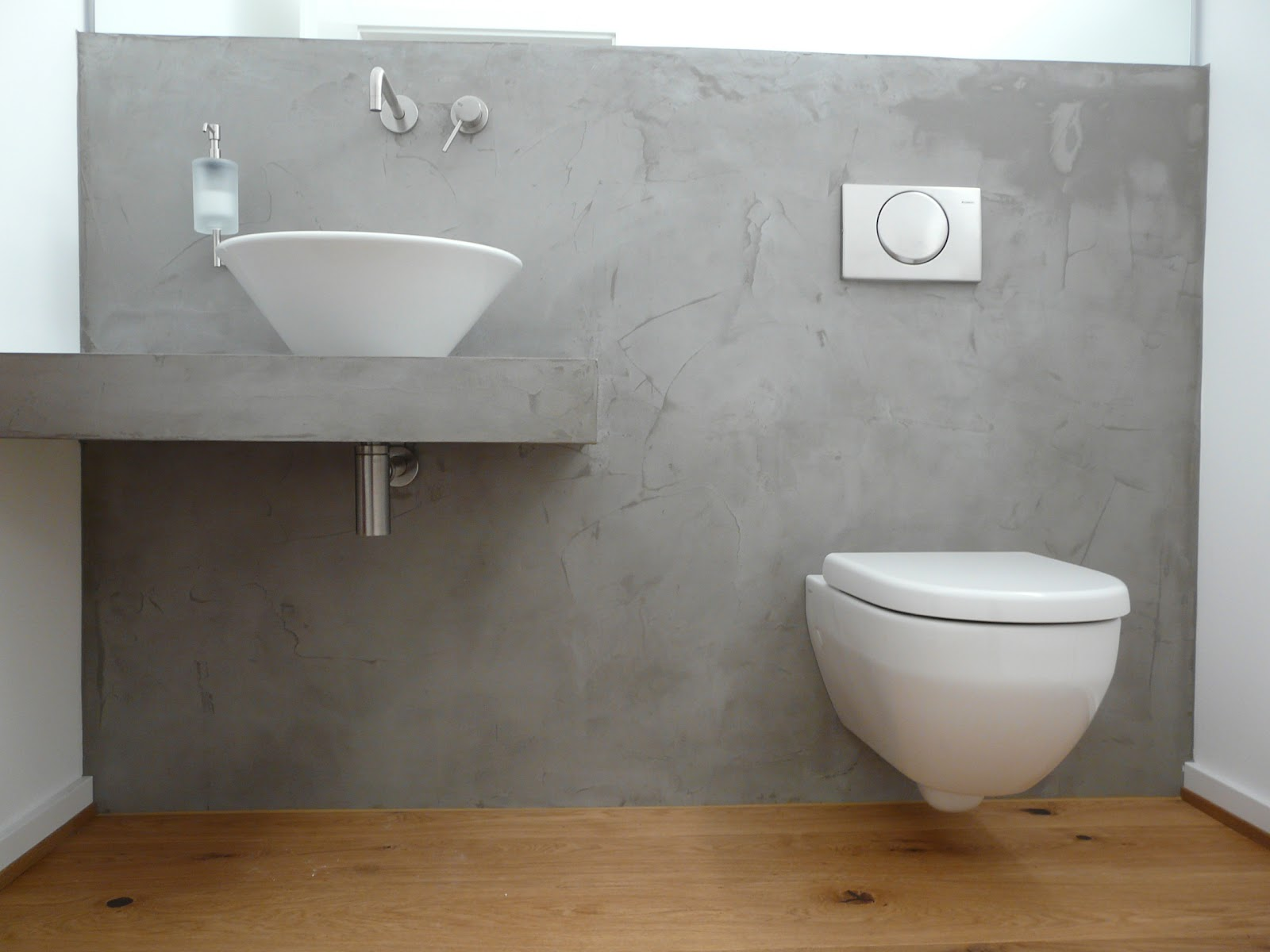 Wand wohndesign beton cire beton cir toilette in for Badezimmer beton holz