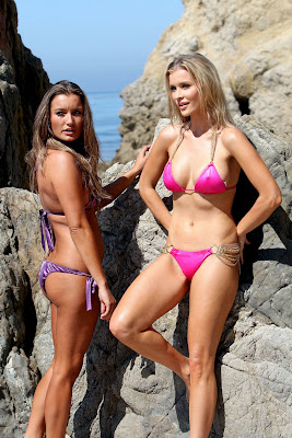 Joanna and Marta Krupa in sexy bikinis at the beach in Santa Monica - picture 1