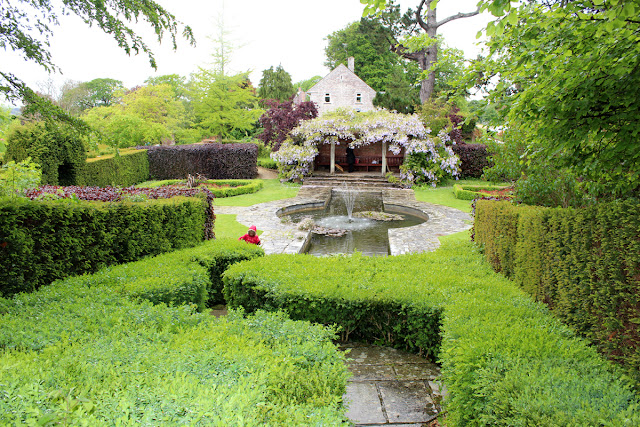 green-garden-rainy-day-kingston-maurward-gardens-pond-todaymyway.com