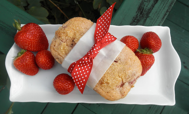 Concetta's Cafe: Fresh Strawberry Bread