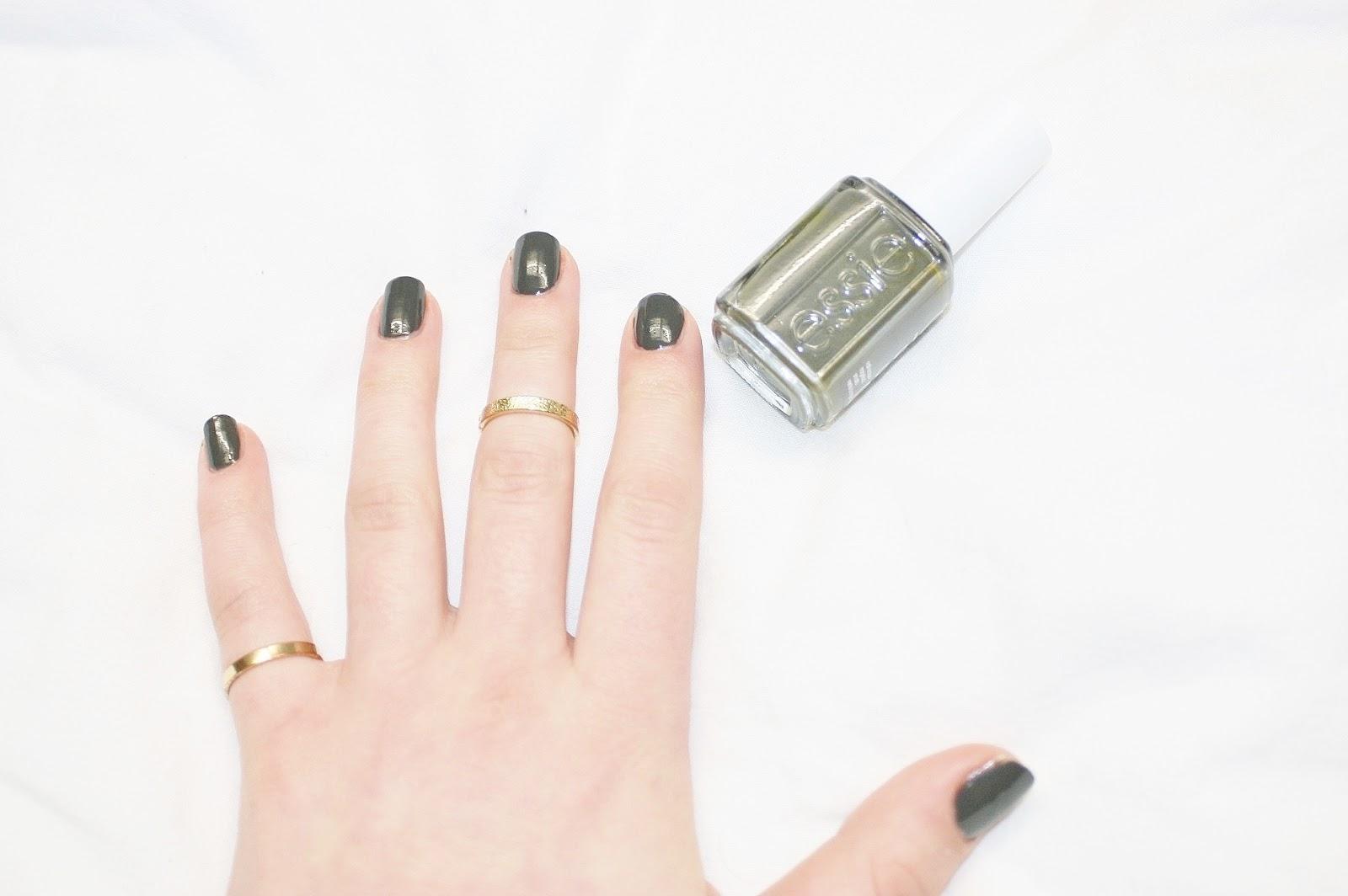 Katherine Penney Chic Style Beauty Manicure Nails Polish Essie Khaki Spring Pretty Gold Rings Urban Modern