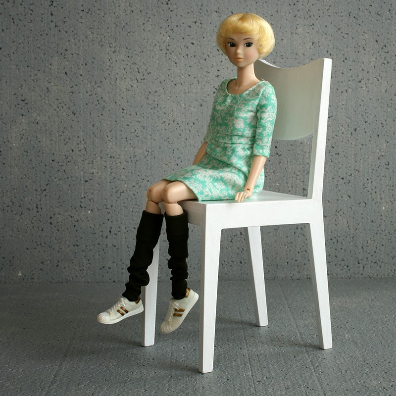 momoko 'lovely folklore' and 1/4 chair
