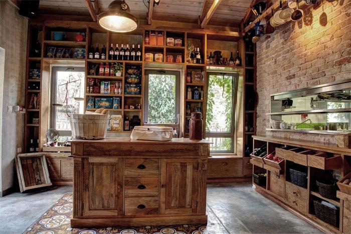 Rustik chateaux caf ruta de la vid for Bar en casa rustico