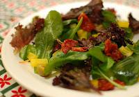 Salada de Rúcula com Tomate-Seco (vegana)