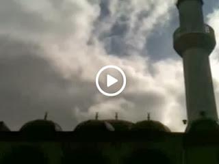 Kumandangkan Adzan, Masjid di Swedia Dilempari Daging Babi