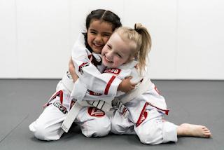 Benefícios do Judô e Jiu-Jitsu para as crianças
