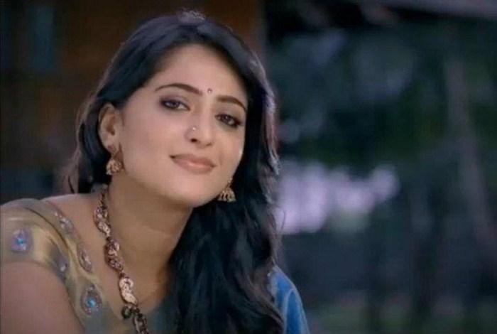 Anushka at Chennai Silks Photoshoot cleavage