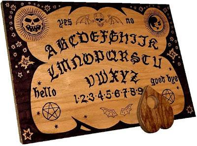 Interesante artículo sobre la ouija. English_ouija_board