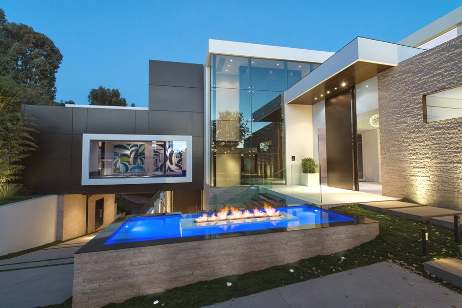 Passion for luxury ultra luxe property located in for Home designers los angeles