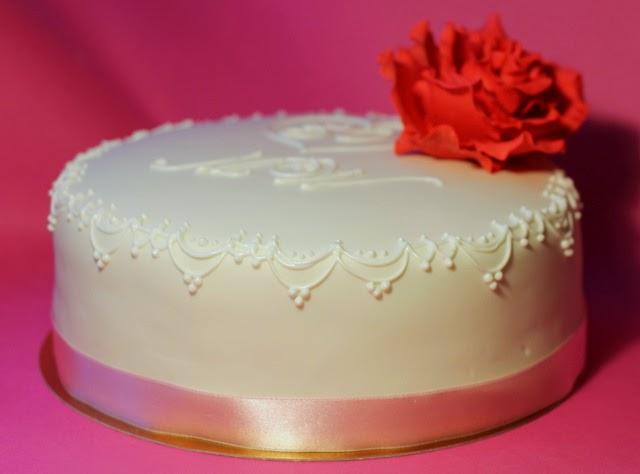 tort z różą