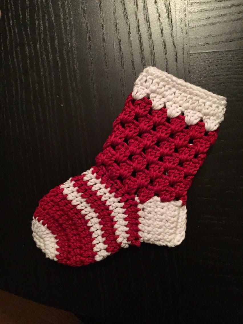 virkad julstrumpa mormorsruta mönster present bebis