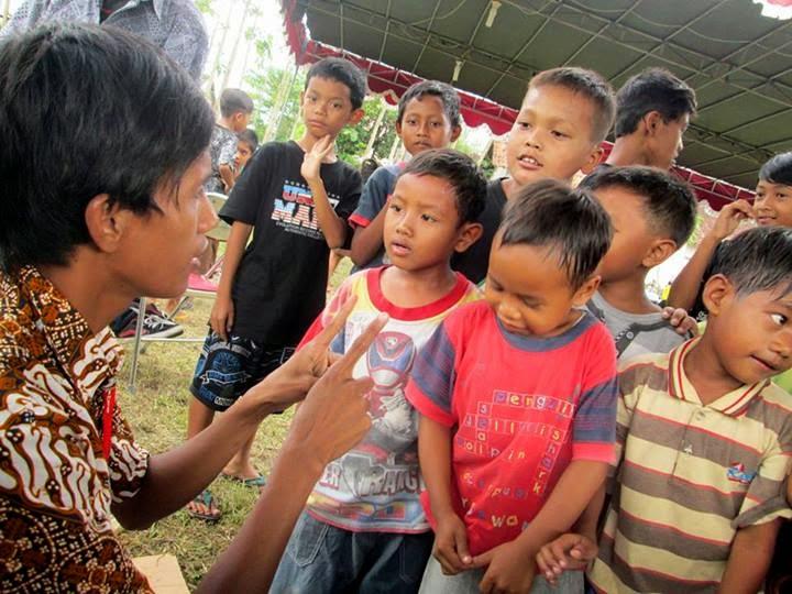 Bergabung dengan anak-anak