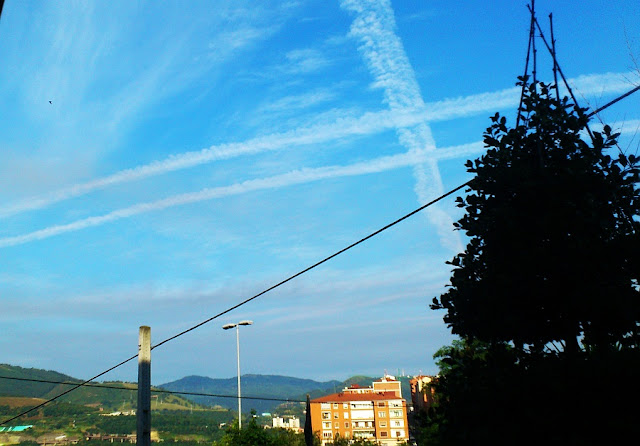paisaje urbano, tres en raya, cielos, Bilbao