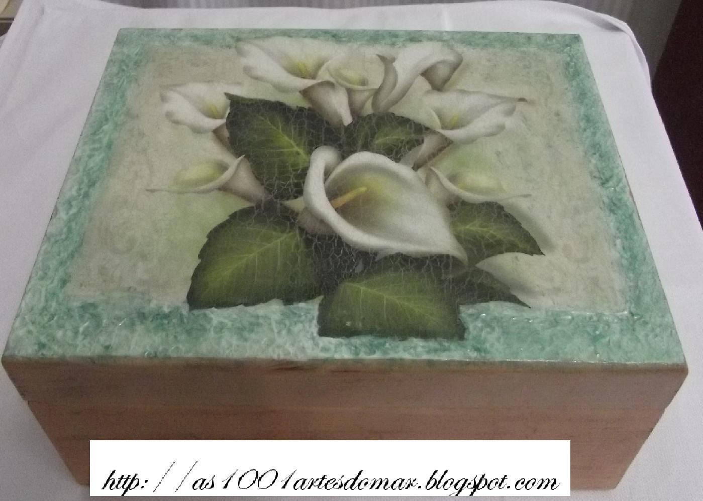 para presentear caixa em MDF pintada e decoupage com craquelê #5E4738 1399x998