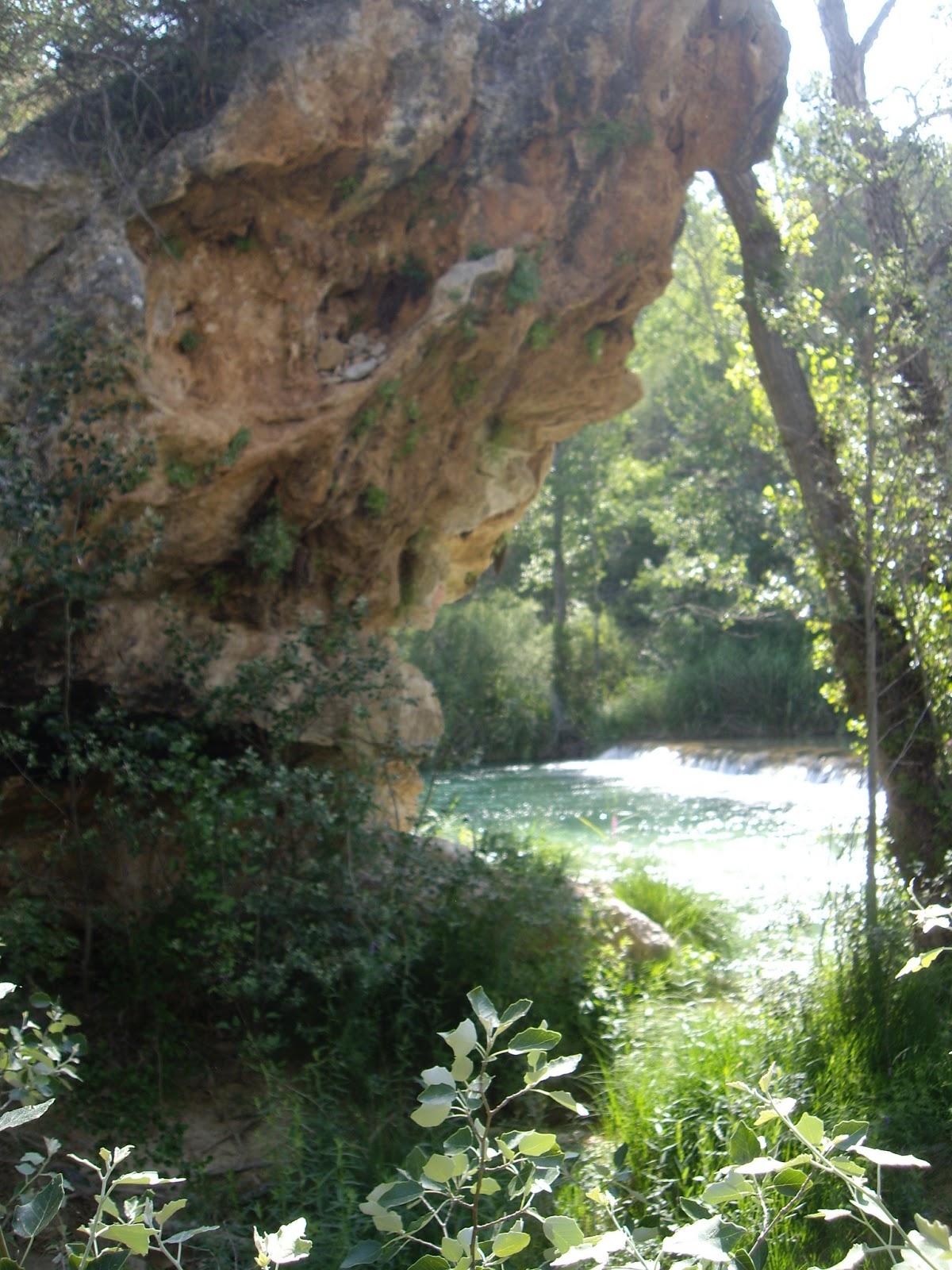 Maneti lugares que disfrutar el puente de san pedro for Piscinas naturales zaorejas