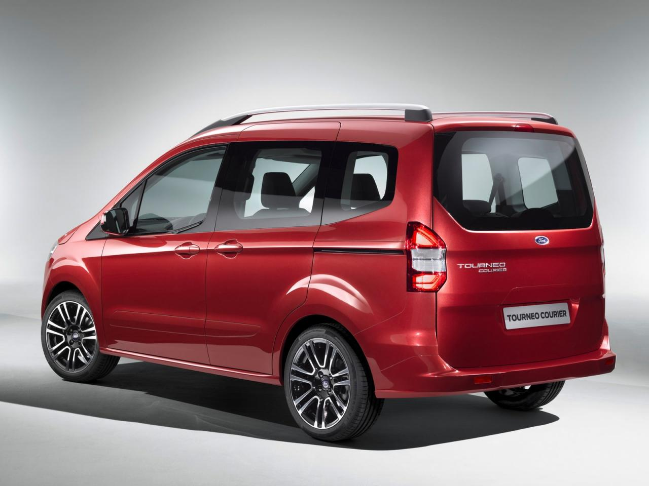 [Resim: Ford+Tourneo+Courier+2.jpg]