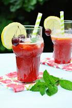 La burrica recomienda: Limonada de cerezas y licor de frutas