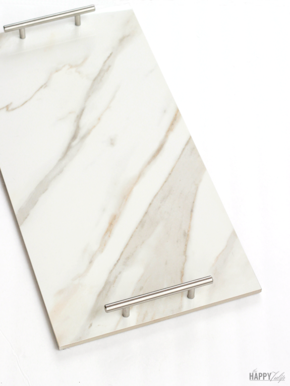 DIY Marble Tray Tutorial — great last minute gift idea! │ thehappytulip.com