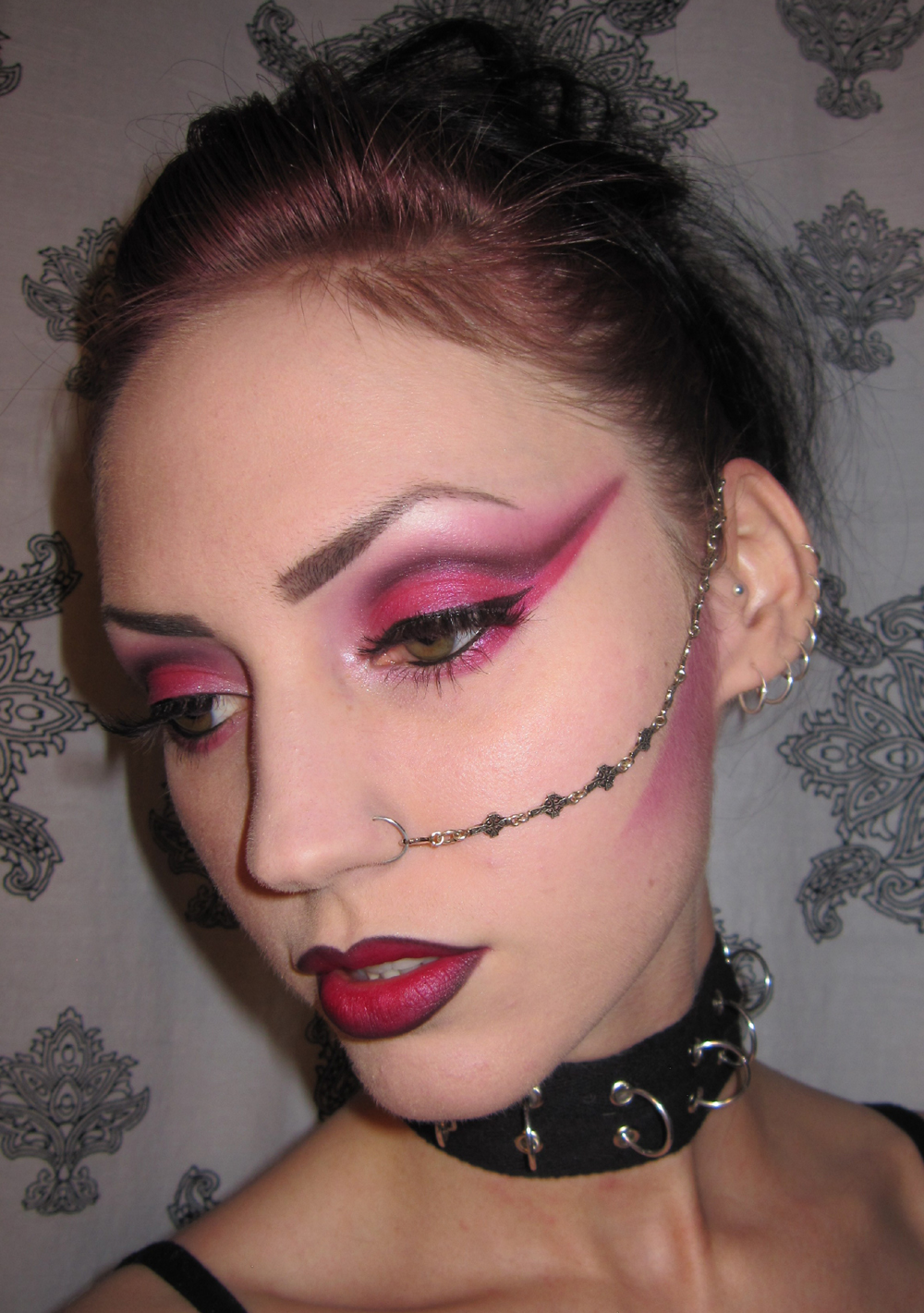 Glitter is my crack: Pink and Black Punk Makeup look - Punk Makeup
