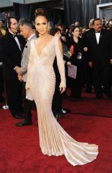 Jennifer Lopez Umbar Payudara Montoknya depan Camera