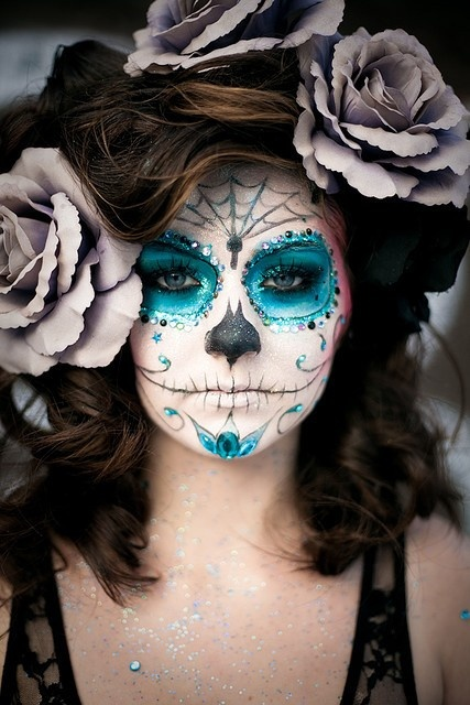 Of all hallows eve and ghostly gossip a cool halloween makeup idea