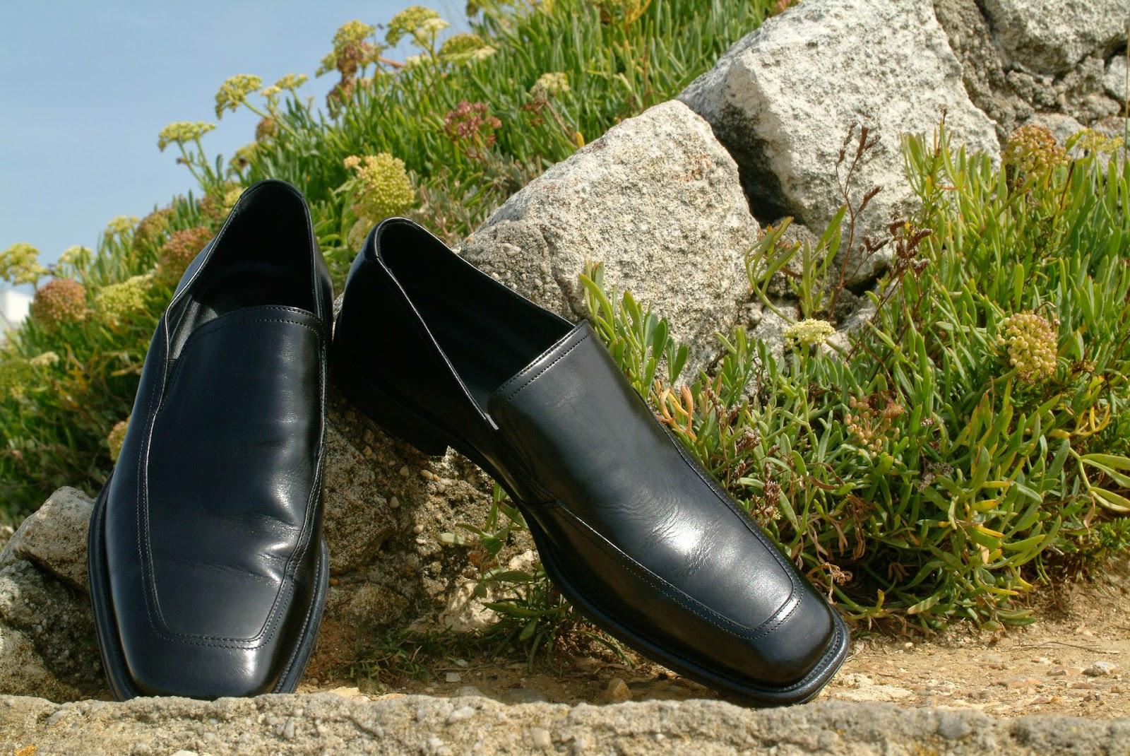 Πώς αφαιρούμε την πίσσα από τα δερμάτινα παπούτσια;