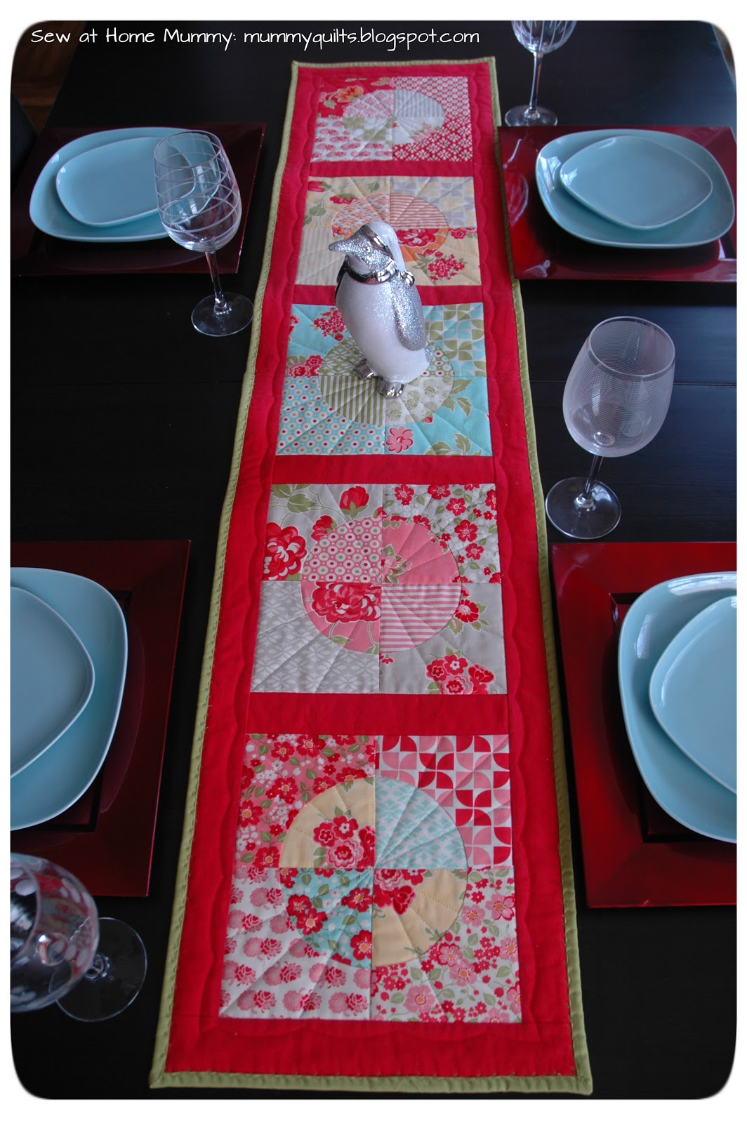 120 Minute Gift: Drunkardu0027s Path Table Runner