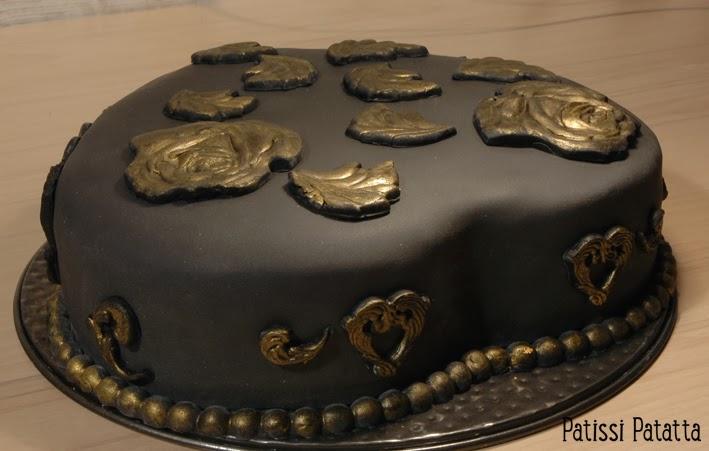 cake design, gâteau 3D, pâte à sucre, gumpaste, fondant, hart cake, baroque cake, black and gold cake