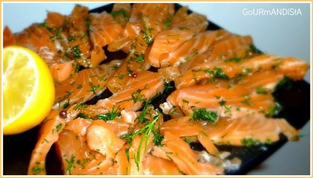 image Saumon Gravlax : cuit au sel, aneth et baies roses