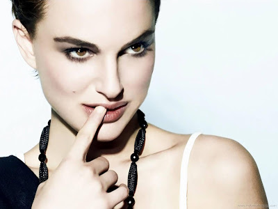 Natalie Portman Actress Glamorous Wallpaper-203-1600x1200