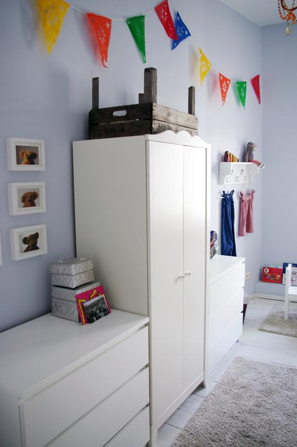 Ikea nachttisch kinderzimmer for Kinderzimmer von ikea