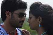 Nuvvena Adi Nivvena Movie Stills-thumbnail-9