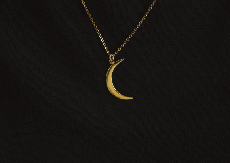 The Flying Clubhouse: Red Velvet // moon necklace