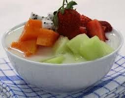 sajian rese sop buah enak dan menyegarkan sebagai teman berbuka
