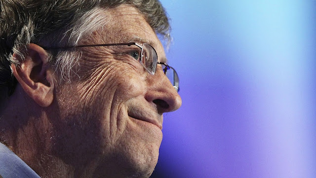 Bill Gates Joins LinkedIn