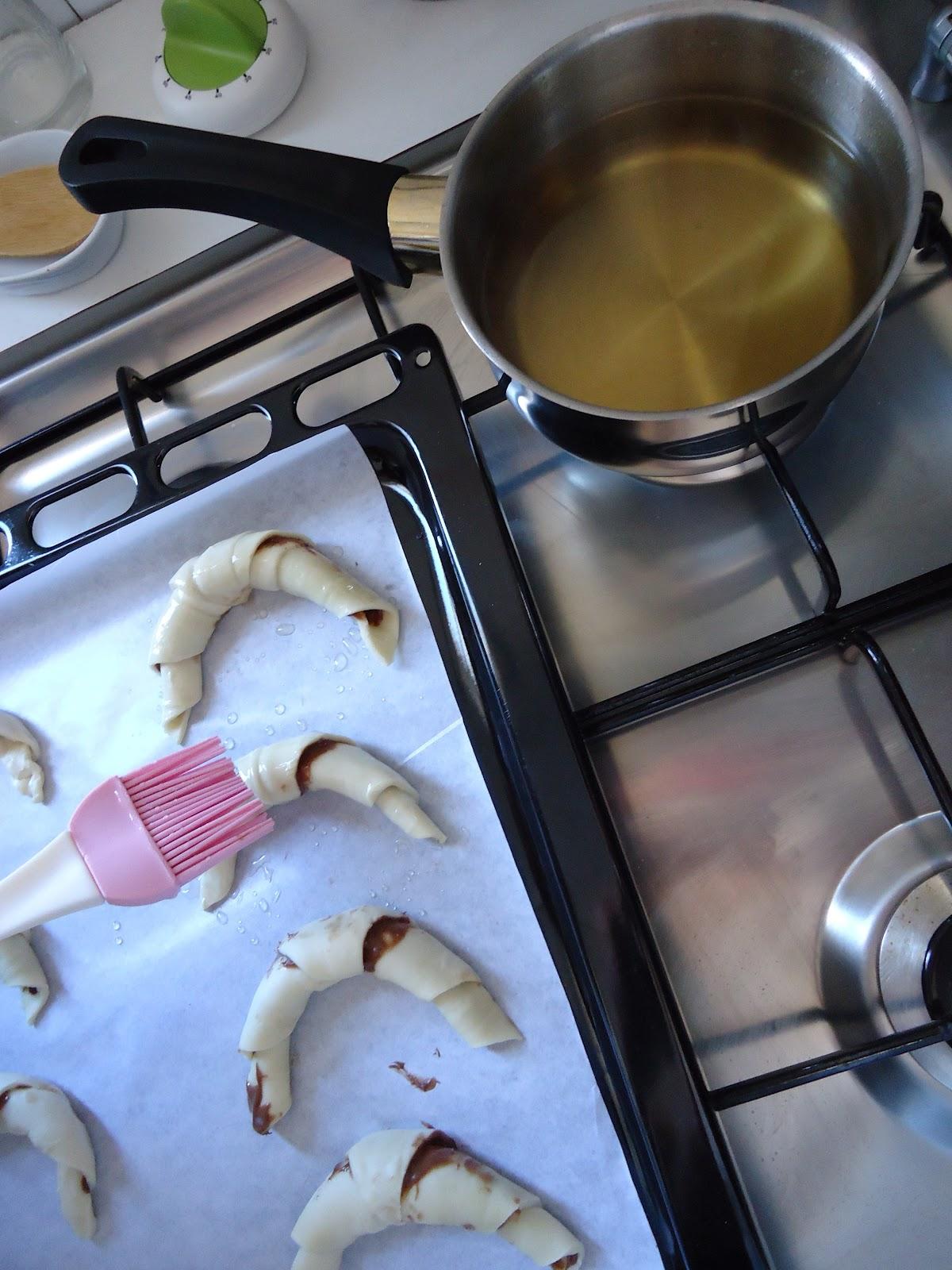 El cocinar es f cil croissants rellenos de chocolate for Cocinar 180 grados