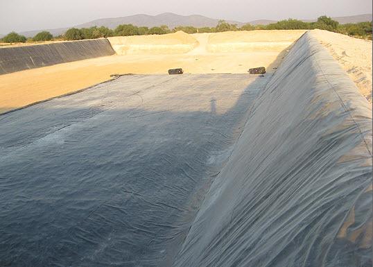 Obras hidr ulicas construcciones y excavaciones ortiz for Estanque geomembrana