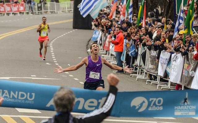 Llegada Luis Molina Maratón Buenos Aires 2015