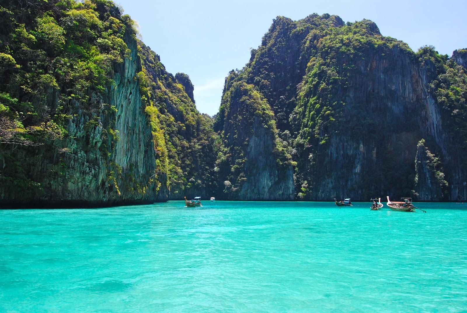 Zarzycki Adventures: Koh Phi Phi Leh Lounging