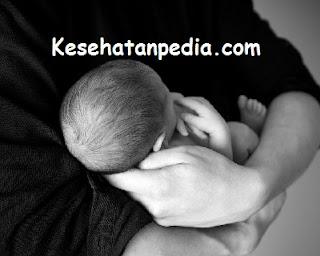 Cara Mengatasi  Sariawan pada Bayi Usia 2-12 Bulan