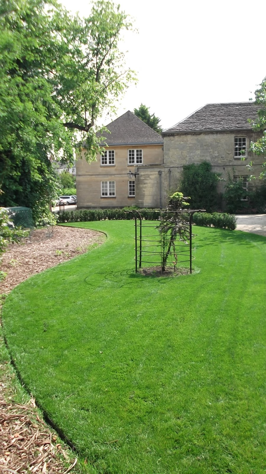 Worcester College Gardeners Seed To Lawn In Just 11 Weeks