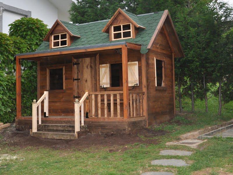 Evoluci n la casita del jard n construcci n paso a for Casitas de jardin de madera